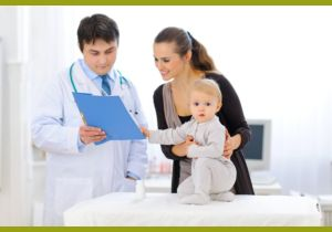 Мама с малышом у врача