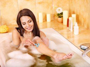 Как брить ноги без раздражения бритвой